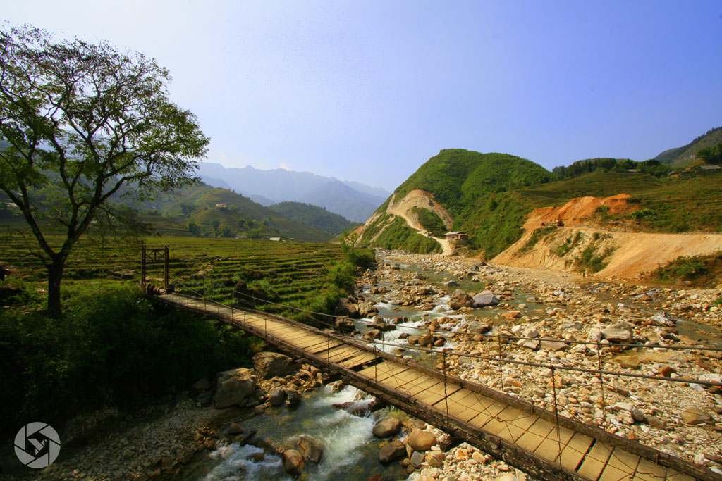 bridge vietnam sapa photographed by Yonit Schiller © 2015  יונית שילר