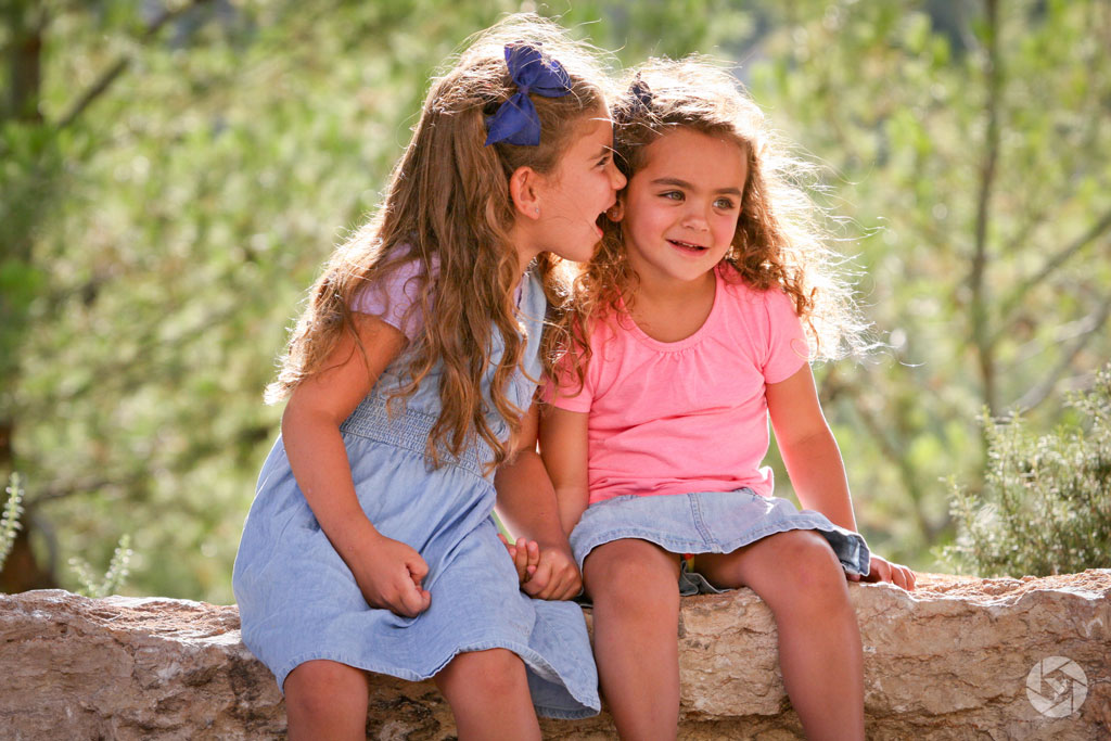 whisper secret sisters photographed by Yonit Schiller © 2015  יונית שילר