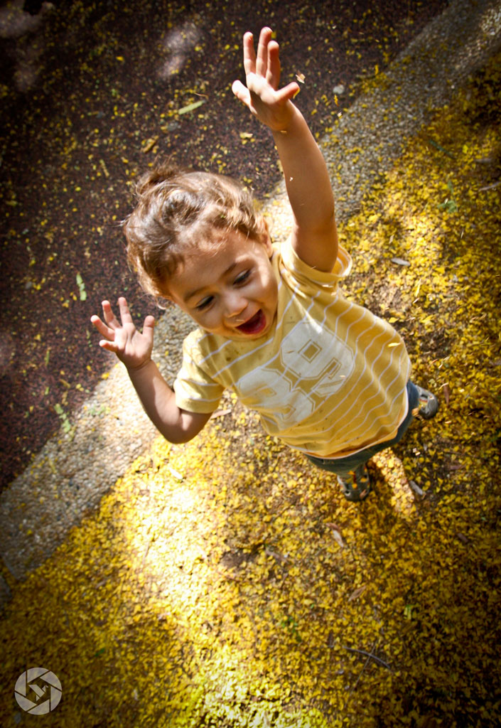 jumping boy autumn fall photographed by Yonit Schiller © 2015  יונית שילר